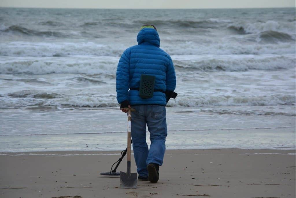 how to select a metal detector